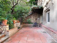 Queremos vender un dúplex de 330 m2 con jardín de 112 m2 en Vía Augusta con Muntaner por 880.000€