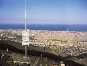 inmofinders-blog-up-and-town-torre-collserola-vistas-barcelona-desde-el-cielo
