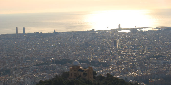 Inmofinders blog up and town vistas de Barcelona desde el cielo