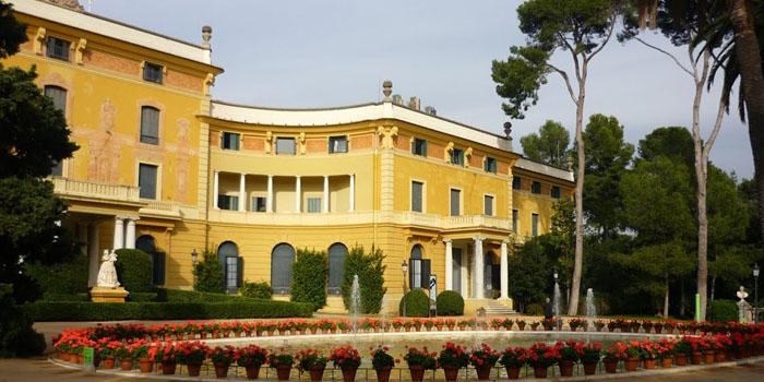 los jardines del Palacio de Pedralbes una bonita zona verde de Barcelona