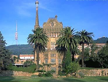 Torre Bellesguard de Gaudí en la zona alta de Barcelona