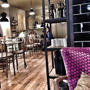 Inmofinders blog barcelona salon de te once upon a time sant gervasi