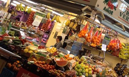 mercados de abastos en la zona alta de Barcelona