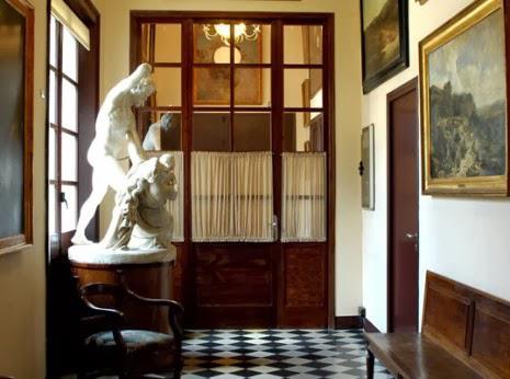 esculturas en Casa Rocamora en Barcelona