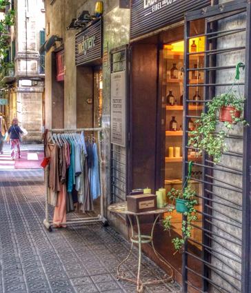 Comercios de todo tipo en el barrio de Sant Gervasi Galvany Barcelona