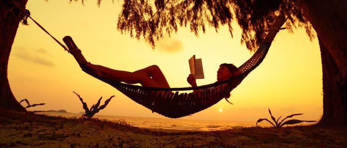 En Barcelona o en la playa en verano lee para desconectar