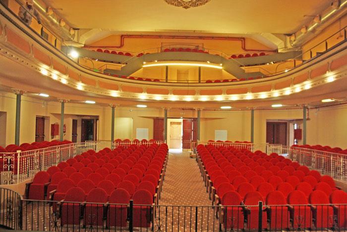inmofinders_blog_upandtown_barcelona_teatro_sarria_barcelona