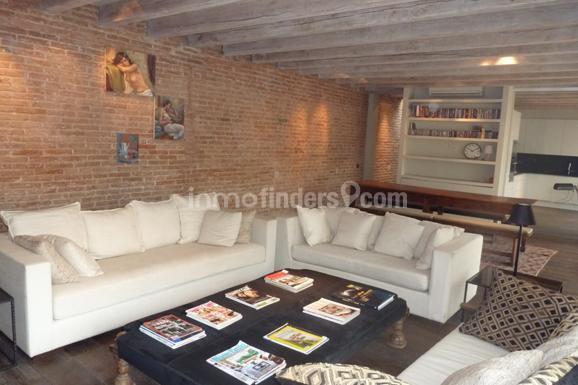 Sal n piso alquiler en gracia barcelona con pared de obra - Alto standing barcelona ...